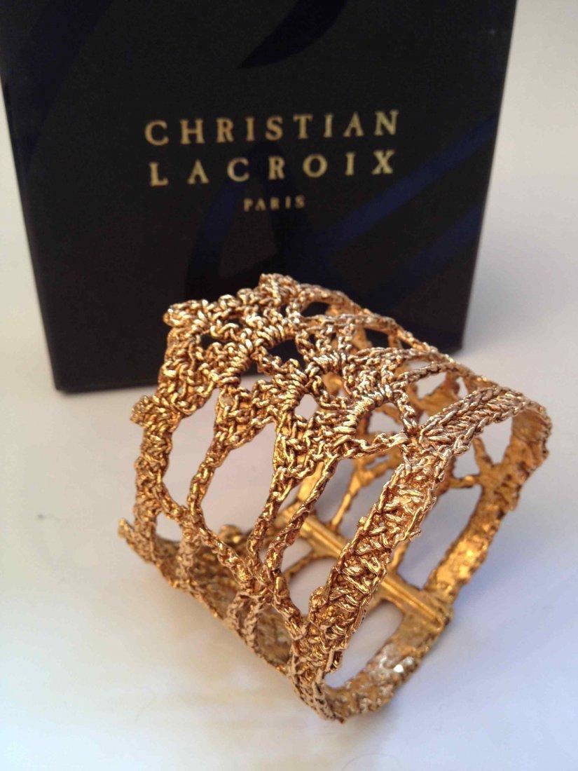christian lacroix bracelet manchette crochet en m tal. Black Bedroom Furniture Sets. Home Design Ideas