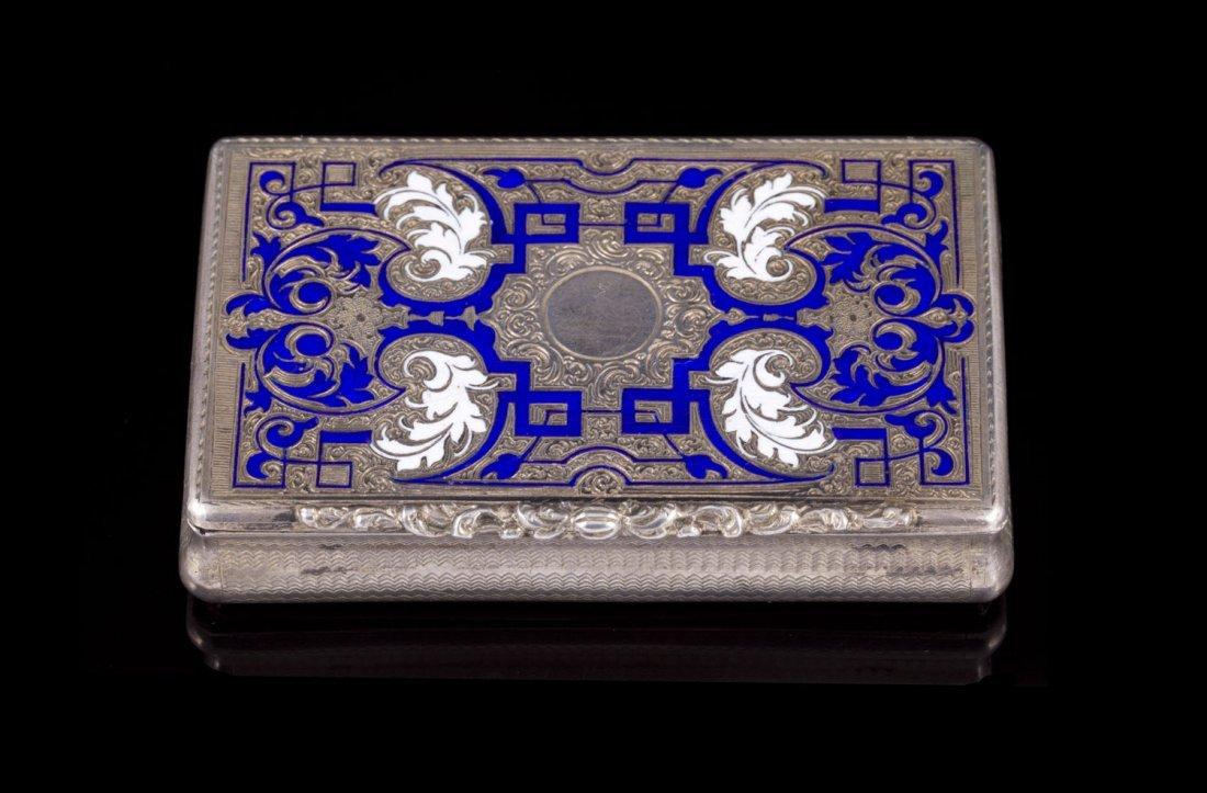 Boite rectangulaire en argent émaillé bleu et blanc -