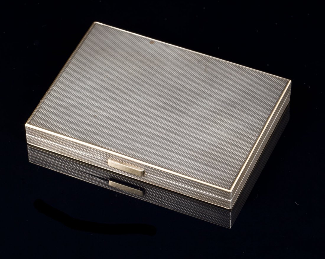 VAN CLEEF & ARPELS N° 80778 Poudrier en argent