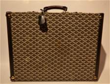 GOYARD Malle � chausures en tissu monogramm� et cuir