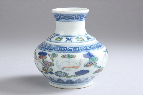 19: CHINESE DOUCAI PORCELAIN VASE, Guangxu six-characte