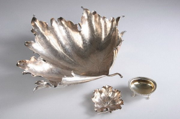 723: TWO BUCCELLATI STERLING LEAF-FORM DISHES. 20th cen