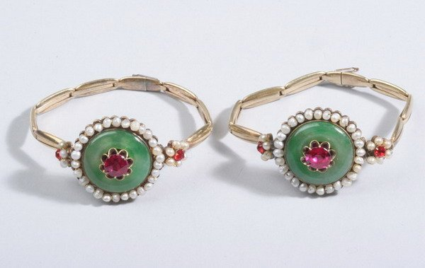 1498: PAIR APPLE GREEN JADE, SYNTHETIC RUBY AND FRESH W
