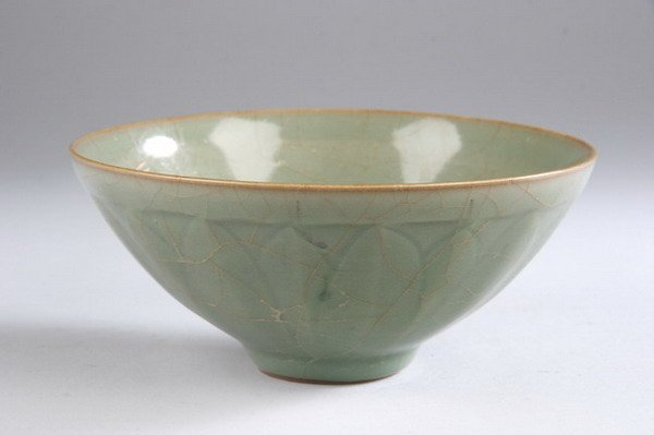 11: CHINESE CELADON PORCELAIN BOWL, Song dynasty style.