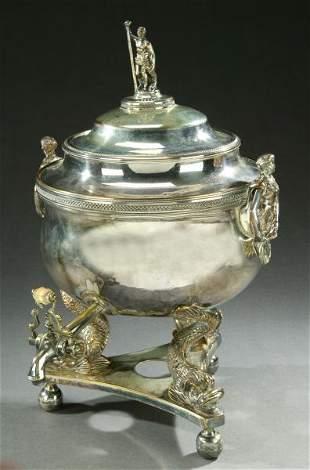 A VICTORIAN SILVER PLATE TEA URN, 19th century. - 1