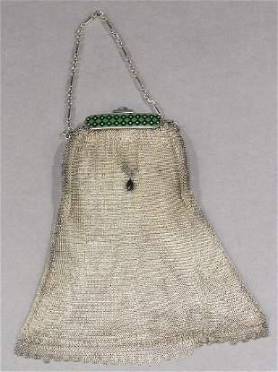 A GERMAN SILVER LADIES MESH BAG, 800 silver. - 11 1