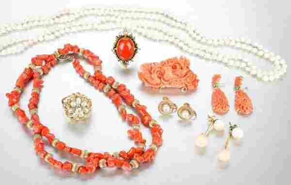 A GROUP OF CORAL AND PEARL JEWELRY.