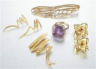A GROUP OF TIFFANY YELLOW GOLD JEWELRY.