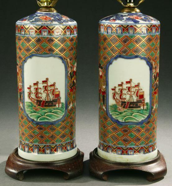 1126: A PAIR OF JAPANESE IMARI BLACK SHIP PORCELAIN BOT