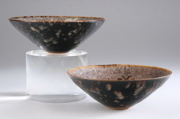 2004: TWO CHINESE CIZHOU POTTERY BOWLS, - 6 1/2 in. dia
