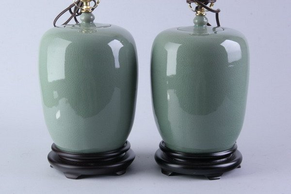 2019: PAIR OF CHINESE CELADON PORCELAIN JARS AND COVERS