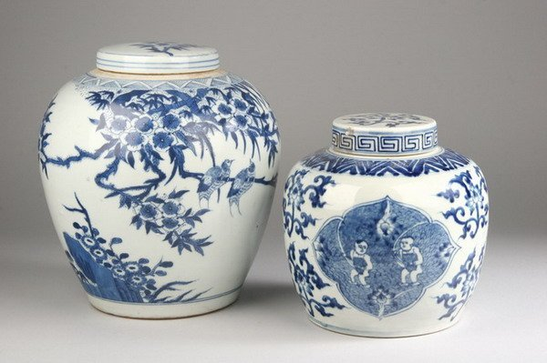 2022: TWO CHINESE BLUE AND WHITE PORCELAIN JARS AND COV
