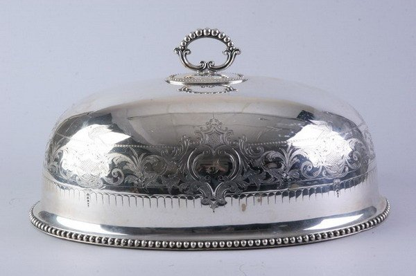 2541: LARGE VICTORIAN SILVER PLATED DOMED MEAT COVER. -
