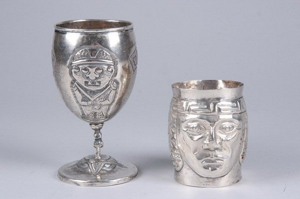2559: TWO PERUVIAN STERLING SILVER CUPS. - 8 oz., 6 dwt
