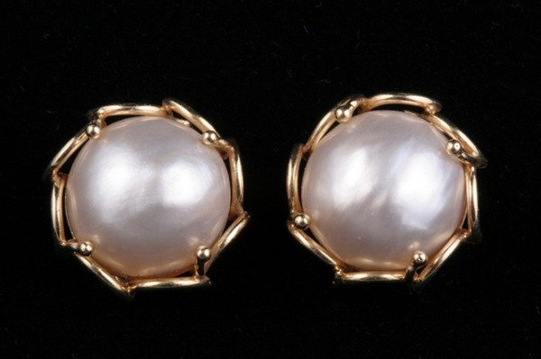 1189: PAIR OF 14K YELLOW GOLD AND MABE PEARL EARRINGS,