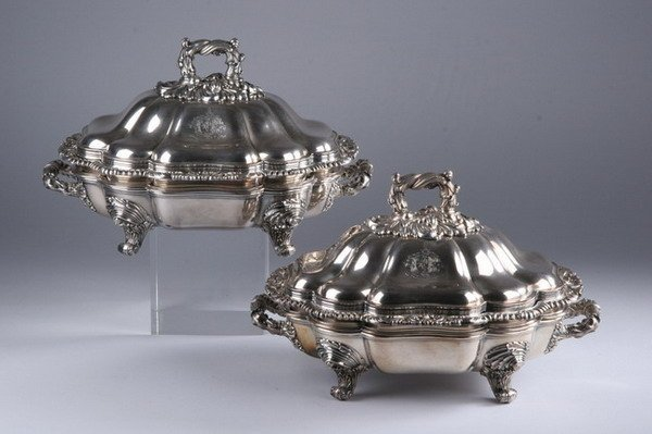 595: PAIR WILLIAM IV SHEFFIELD PLATE COVERED CHAFING DI