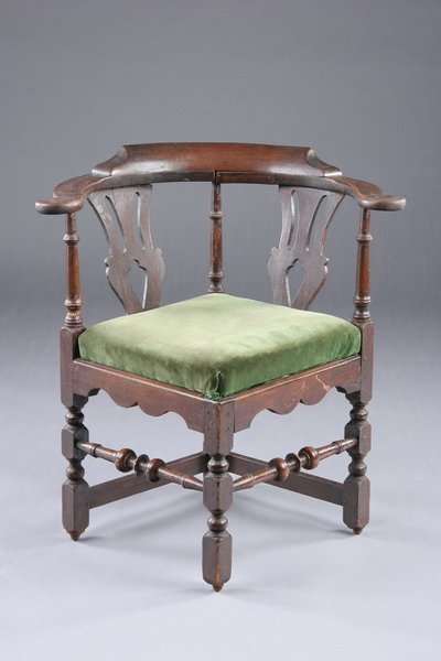 921: WILLIAM AND MARY PAINTED CORNER CHAIR. 18th centur