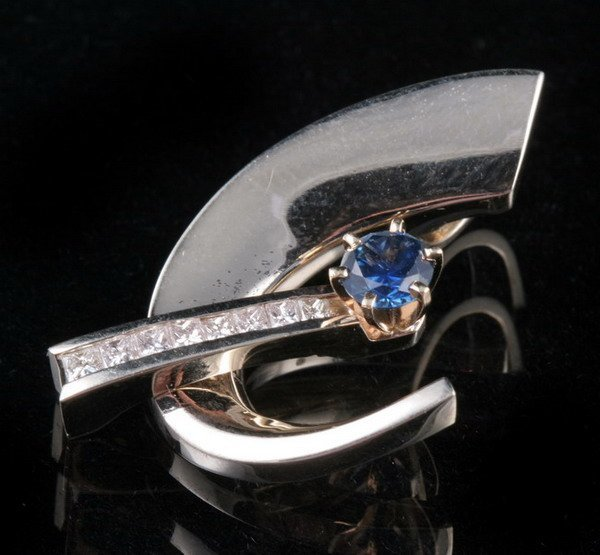 1056: 14K YELLOW AND WHITE GOLD, DIAMOND AND SAPPHIRE P