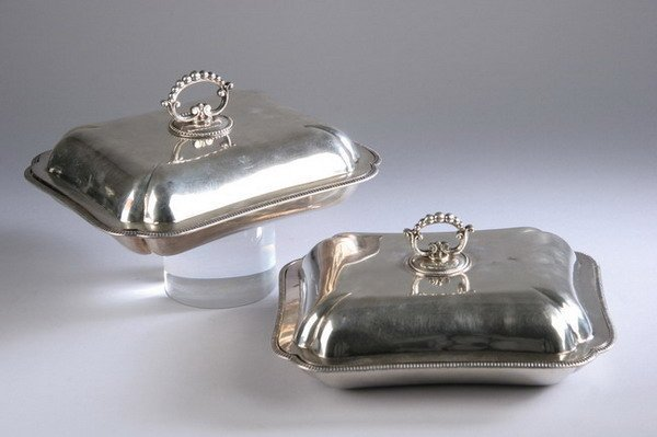 610: PAIR SHEFFIELD PLATE CHAFING DISHES. early 20th ce