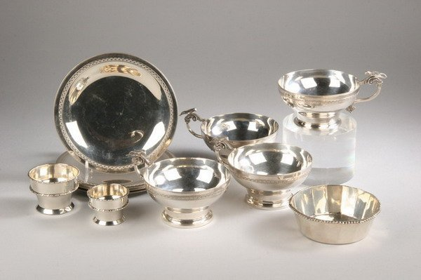 613: SET EIGHT EGYPTIAN SOUP CUPS WITH MATCHING UNDERCU