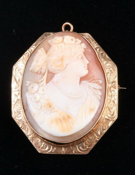 1136: VICTORIAN 14K YELLOW GOLD AND CARVED SHELL CAMEO