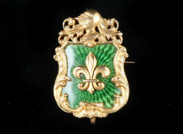 1143: VICTORIAN 14K YELLOW GOLD AND GREEN GUILLOCHE ENA