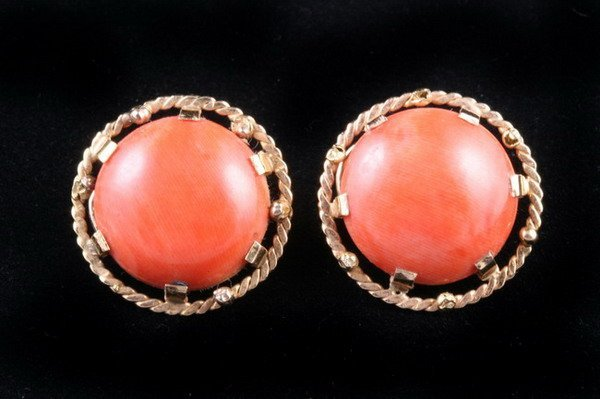 1153: PAIR FRENCH 18K YELLOW GOLD AND ORANGE CORAL CABO