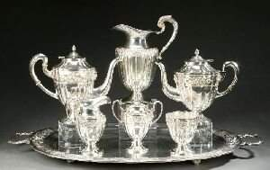 A SEVEN-PIECE MEXICAN STERLING TEA AND COFFEE SERVI