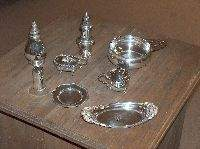 A GROUP OF AMERICAN SILVER HOLLOWWARE, 20th century