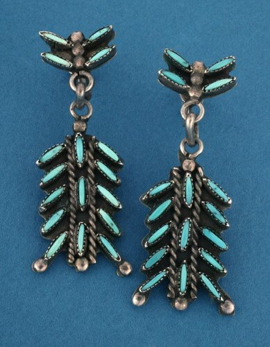 801: A PAIR OF STERLING SILVER AND TURQUOISE