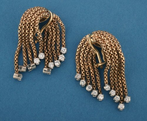818: A PAIR OF 18K YELLOW GOLD AND DIAMOND EA