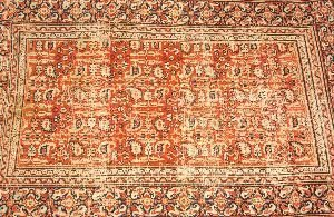 903: AN ANTIQUE MAHAL RUG,  10ft. x 7ft. 3in.