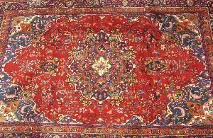 917: AN ANTIQUE MASHAD RUG,  6ft. 3in. x 9ft. 4in.