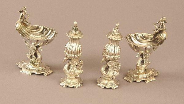 9: A PAIR OF GERMAN SILVER SALTS WITH MATCHING PEPPER S