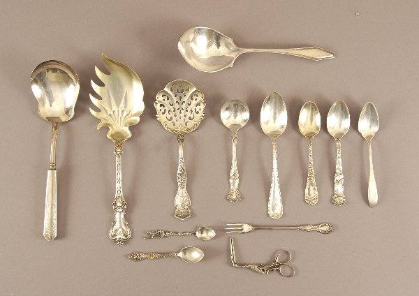 20: A COLLECTION OF SILVER FLATWARE, 20th century. Incl