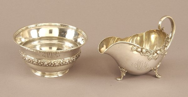 23: AN AMERICAN SILVER BOWL AND A SAUCE BOAT. circa 190