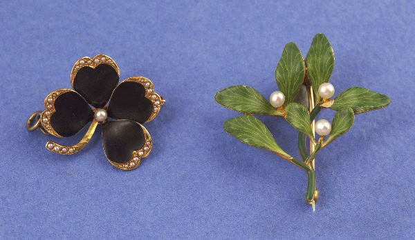 643: TWO 14K YELLOW GOLD ART NOUVEAU BROOCHES, KREMENTZ