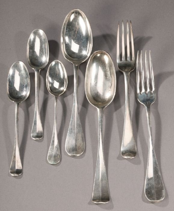 1: A COLLECTION OF GEORGE III SILVER FLATWARE