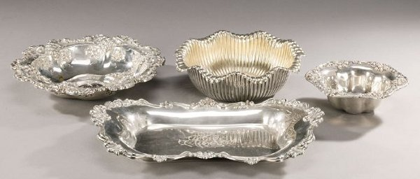 11: FOUR PIECES OF AMERICAN SILVER HOLLOWARE.