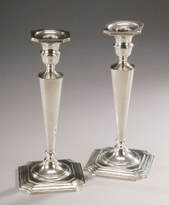 20: A PAIR OF AMERICAN SILVER CANDLESTICKS. 2
