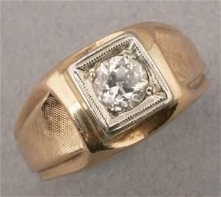 A GENTLEMAN'S 14K YELLOW GOLD AND DIAMON