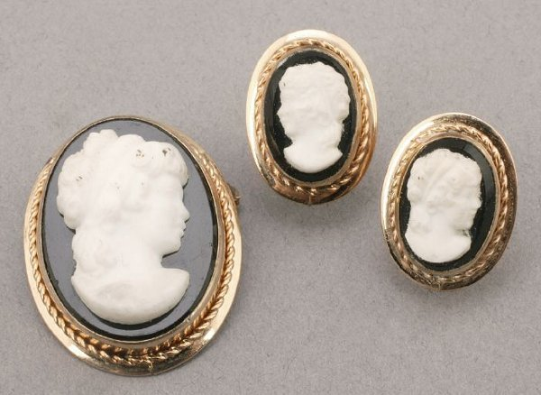 768: HIGH RELIEF CAMEO BROOCH AND EARRING SET