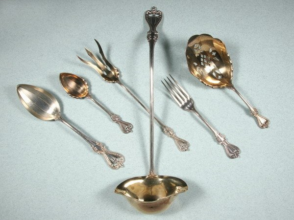 23: TOWLE SILVER PARTIAL FLATWARE SERVICE. Old Colonial