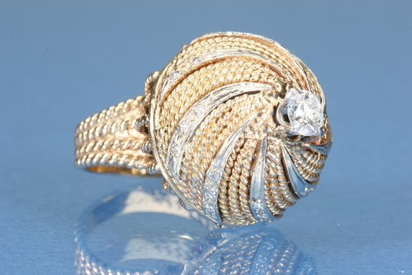 816: 1960'S DIAMOND COCKTAIL RING.