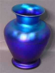 2072: An Iridescent Blue Art Glass Baluster F