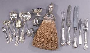 A COLLECTION OF SILVER FLATWARE AND SILVER