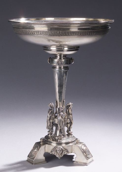 12: AN AMERICAN GRECIAN STYLE LARGE SILVER CO