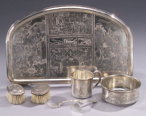 14: A COLLECTION OF AMERICAN SILVER CHILDREN'