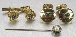 A COLLECTION OF MISCELLANEOUS JEWELRY,