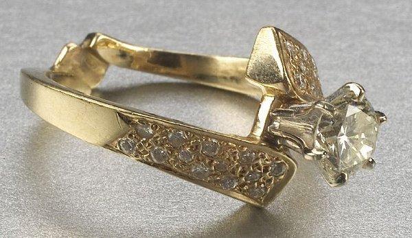 345: A DIAMOND RING,   Of bypass design cente